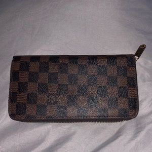 "Louis Vuitton ""Zippy"" Wallet N60046"